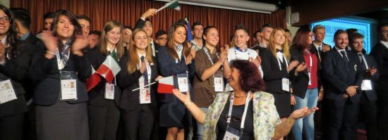 a symbolic photo: a small part of the Italian delegation!