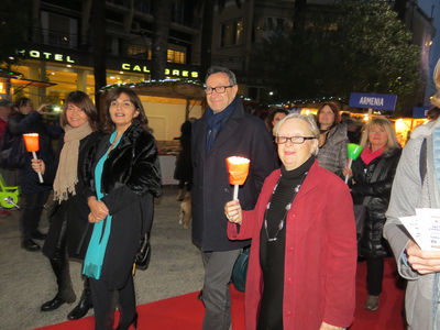 In the procession there are important guests, including the city's mayor Pascalino Piunti