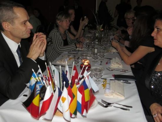 The little flags symbolising Europe on the official tables